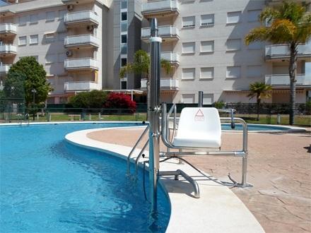 Silla de piscina para discapacitados for Sillas de piscina